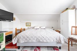 Makuuhuone I yläkerrassa