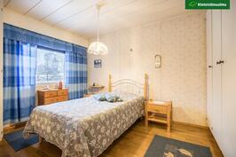 Asunto 2 makuuhuone 1