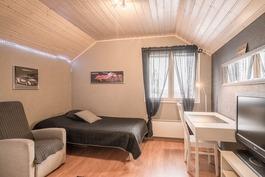 Yläkerran makuuhuone