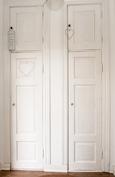 Eteisen kaapin ovet