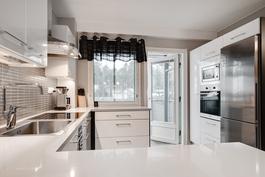 Keittiö remontoitu ja laajennettu 2013-14/ Köket renoverat samt utvidgat 2013-14