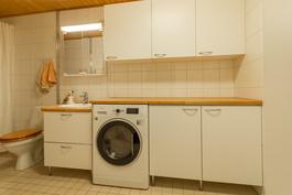 Hyvät tilat pyykkihuololle