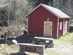 Sauna ja grillauspaikka