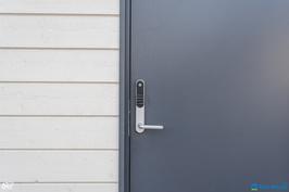Kaikissa ovissa Yalen sähköiset numerolukot