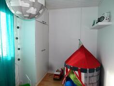 Neljäs makuuhuone/leikkihuone