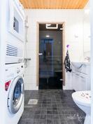 Upea, uusittu kylpyhuone