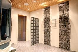 Kaksi suihkua on arjen luksusta