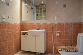 Kylpyhuone jossa wc
