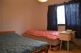4. makuuhuone