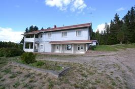 Myllykulmantie 488 taloa ja talousrakennusta