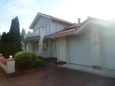 Edustava talo , Aninkainen.fi, Olli-Pekka Sistonen, LKV Kaupanvahvistaja 050 3310950