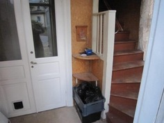 Portaikko ja pari-ovet