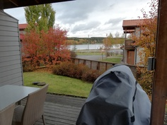 oluhuoneesta suora näkymä järvelle