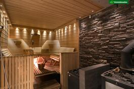 Upea sauna(sähkö/puukiuas)