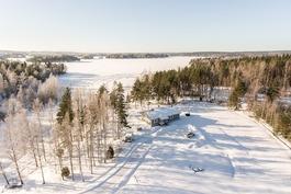2,29 ha:n järvenranta kiinteistö