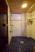 Kylpyhuone vaatii remonttia.
