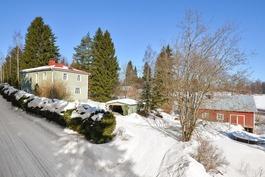 talo sekä pihasaunarakennus
