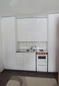 alakerran mh:ssa myös keittiönurkkaus