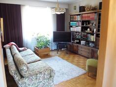 Kirjasto/makuuhuone 3