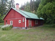 Vanha navettarakennus jossa sauna