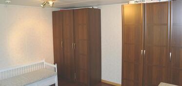 Yksi alakerran makuuhuoneista. Aninkainen.fi Rauma Merja Tuomola 0400 911 740