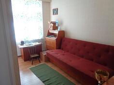 Alakerran pikku makuuhuone