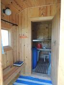 Pukuhuone ennen saunaa