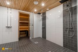 Yhtiön upeaa saunaosastoa