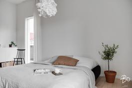 17 neliön makuuhuoneen voi jakaa kahdeksi huoneeksi