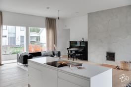 Lähes  60 neliöinen keittiö/olohuone