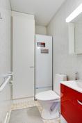 Huoneistolla erillinen wc
