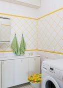 Alakerran wc:ssä pesukoneliitäntä