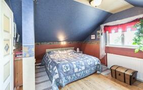 Makuuhuone 2 krs-vån. Sovrum