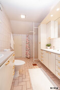 2. krs, kylpyhuone