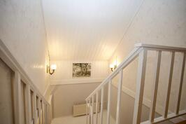 Valoisa portaikko