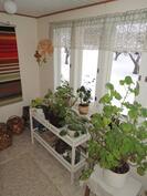 Viileä huone keittiön läheisyydessä