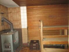 Lisäkuvaa sauna- ja pesuhuonetilasta, jossa päivitysremontti on paikallaan!