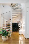 Kauniit portaat yläkertaan