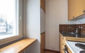 Keittokomerossa ikkuna
