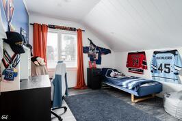 Yläkerran makuuhuone III