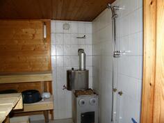 saunassa on suihku