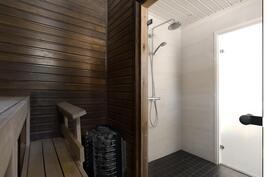 Sauna / pesuhuone remontoitu 2014.