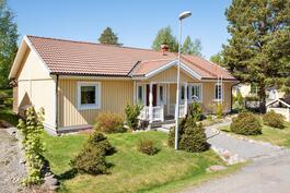 Gerby, Forsnerintie 34, 4h+k+s+khh+takkah.+at+var. 118 m² + 44 m²
