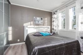 alakerran makuuhuone on remontoitu 2015