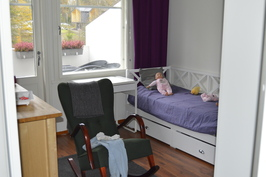 Yläkerran makuuhuone1