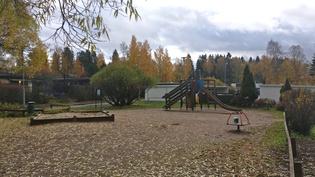 leikkipuisto lähellä