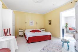 1-kerroksen makuuhuone