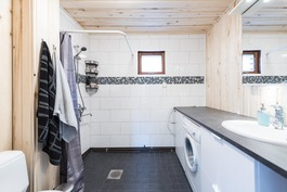 2020 remontoitu kylpyhuone