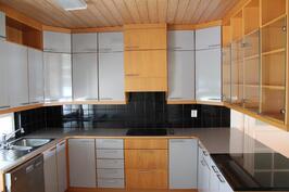 ison asunnon keittiö