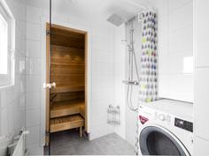 pesuhuone ja sauna